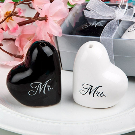mr-and-mrs-salt-and-pepper-set